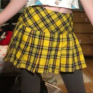 Hot Topic Tripp Yellow Pleat Miniskirt Hufflepuff